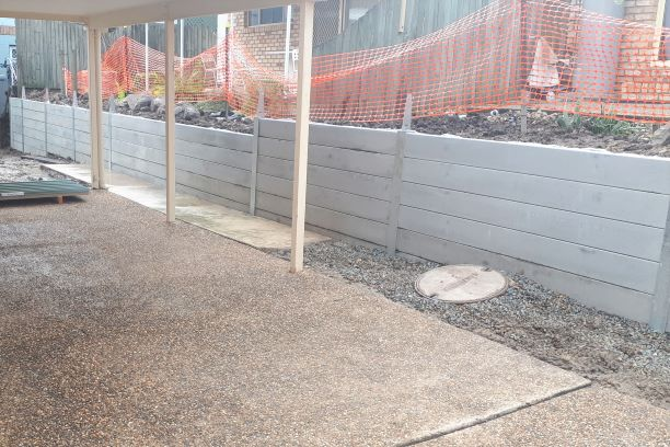 Durawall retaining wall replacement in Carina Heights construction photo