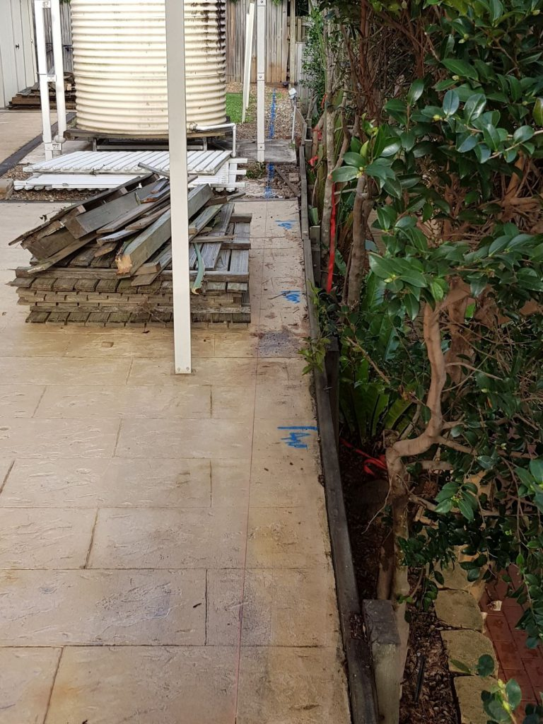 Durawall retaining wall in Carindale before photo