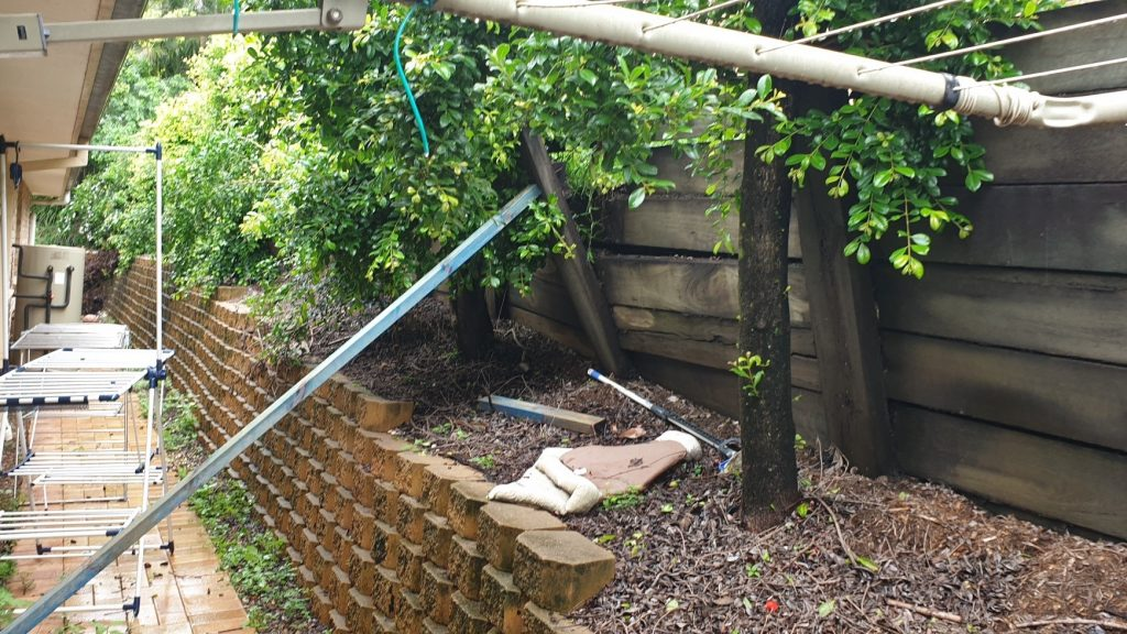 Durawall retaining wall replacement in Albany Creek before photo
