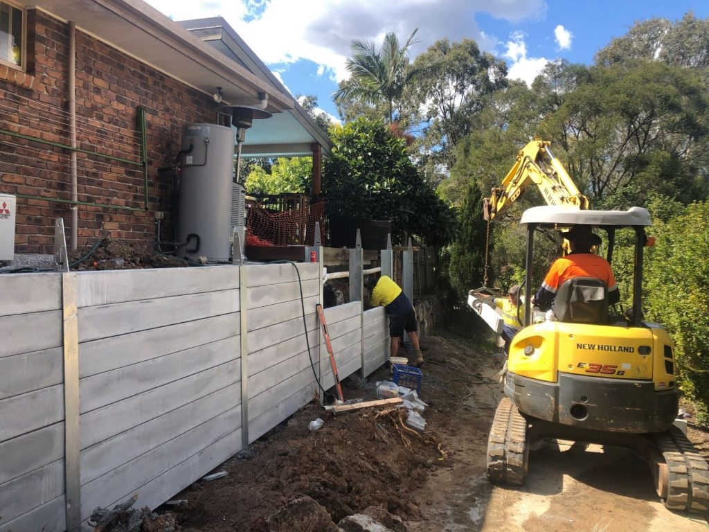 Durawall retaining wall replacement at Arana Hills loading sleepers