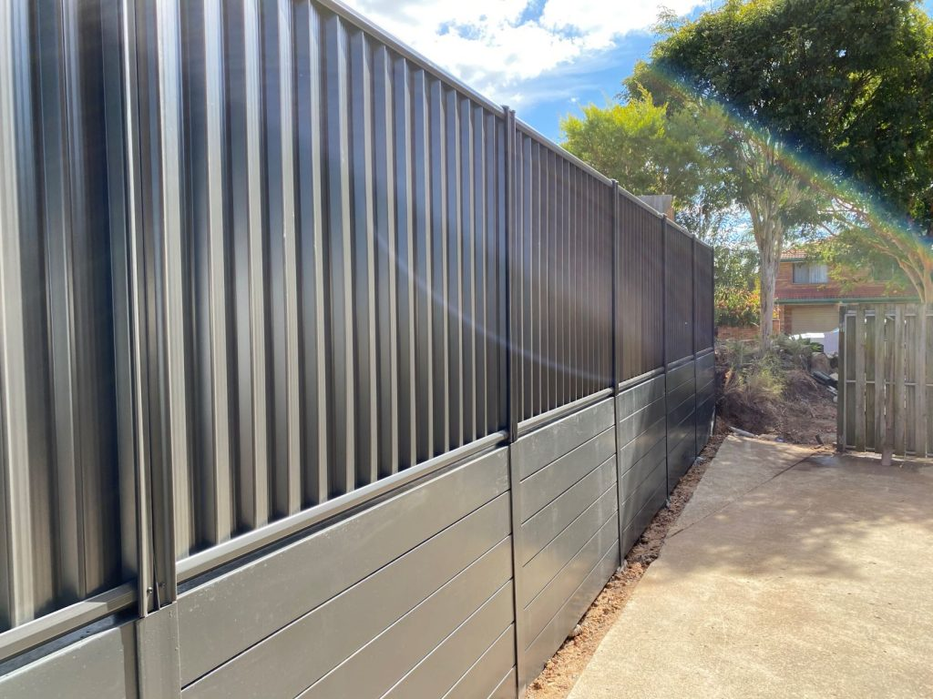 Durawall retaining wall monument and colorbond in Carindale after photo