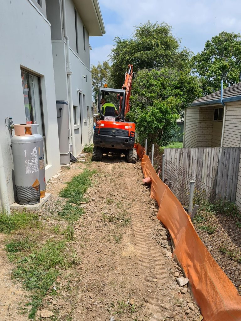 Durawall retaining wall replaced in Norman Park before photo